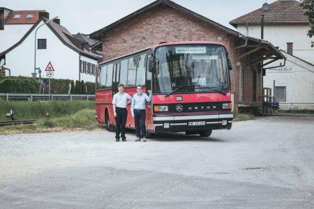 Andreas Zimmermann und die Jungs der Hallertauer Lokalbahn haben einen Bahnbus restauriert